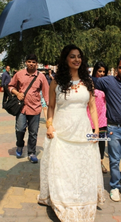 Juhi Chawla promote Gulaab Gang on the sets of Boogie Woogie