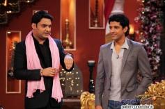 Kapil Sharma and Farhan Akhtar on the sets of Comedy Nights with Kapil