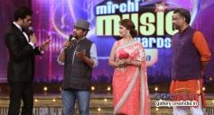 Madhuri Dixit and Anubhav Sinha in conversation with Manish Paul at Mirchi Music Awards 2014