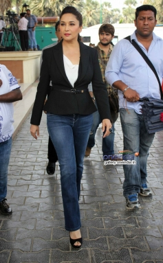 Madhuri Dixit arrive on the sets of Boogie Woogie 7