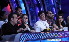 Madhuri and Juhi with Boogie Woogie 7 tv show judges