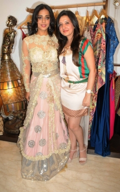 Mahi Gill with Amy Billimoria during her makeover for her film Gangs of Ghosts