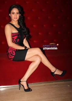 Mahi Khanduri at premier of the film Dee Saturday Night