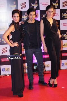 Main Tera Hero film stars Ileana, Varun and Nargis at Mirchi Music Awards 2014