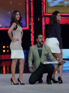 Main Tera Hero promotion on India's Got Talent 5