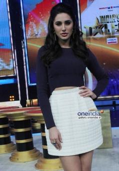 Nargis Fakhri promote Main Tera Hero on India's Got Talent 5