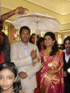 Meera Jasmine with her husband Anil John Titus