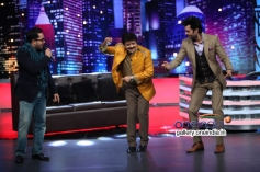 Mika Singh & Udit Narayan dances on Mad In India