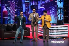 Mika Singh & Udit Narayan performs on Mad In India