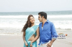 Nandamuri Tarakaratna and Komal Jha still from Eduruleni Alexander