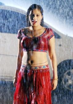 Navneet Kaur Sizzling in Rain