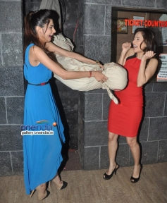 Nushrat Bharucha during Darr At The Mall promotion at R City Mall