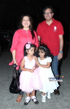 Priti Sapru with husband and daughters at Highway special screening