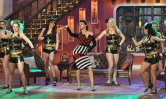 Priyanka Chopra dances on the sets of Comedy Nights with Kapil