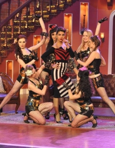 Priyanka Chopra promotes Gunday film on the sets of Comedy Nights with Kapil