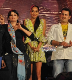 Lisa Haydon at music launch of film Queen