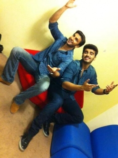 Ranveer Singh and Arjun Kapoor fun acts during their film Gunday promotion