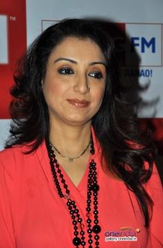 Rj Madhurima celebrates Valentines Day with her husband Sonu Nigam at Big FM