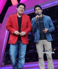 Sajid Khan and Farhan Akhtar on the sets of Nach Baliye 6