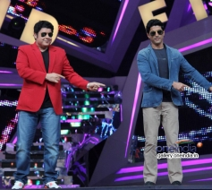 Sajid Khan and Farhan Akhtar performs during Shaadi Ke Side Effects film promotion