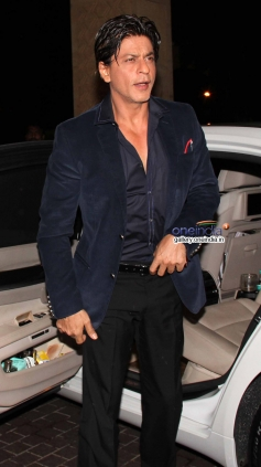 Shah Rukh Khan at Mid Day newspaper's relaunch party