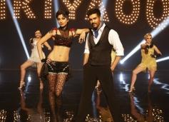 Shilpa Shetty and Harman Baweja still from film Dishkiyaoon