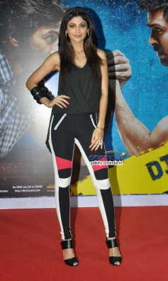 Shilpa Shetty poses at launch of song Tu Mere Type Ka Nahi Hai from film Dishkiyaoon
