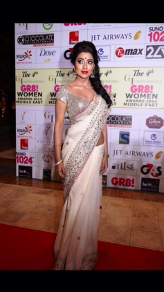 Shriya Saran at GR8 Women Awards 2014