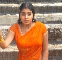 Shriya Saran Sizzling in Rain
