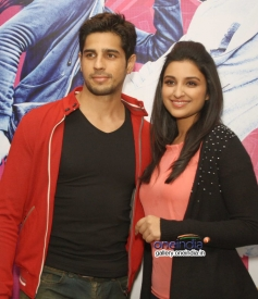 Sidharth Malhotra and Parineeti Chopra promote Hasee Toh Phasee in Delhi