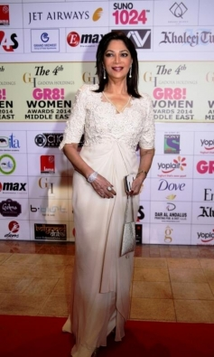 Simi Garewal at GR8 Women Awards 2014 redcarpet