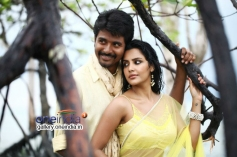 Sivakarthikeyan and Priya Anand still from Naa Love Story Modalaindi