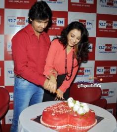 Sonu Nigam with wife Rj Madhurima cut the cake at  Big FM