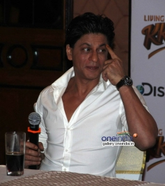 SRK during the launch of Discovery Channel's new show Living with KKR
