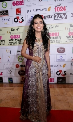 Surbhi Jyoti at GR8 Women Awards 2014 redcarpet