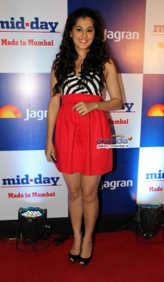 Tapasee Pannu at Mid Day Newspaper's relaunch party