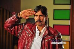 Thriller Manju in Ayesha in Kannada Film Nakara