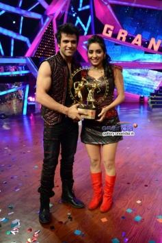 TV's hit couple Rithvik and Asha Negi win Nach Baliye 6