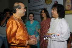 Suresh Wadkar with Ustad Zakir Hussain at the 14th Vasantotsav