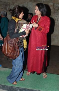 Zoya Akhtar and Shabana Azmi at Shaadi Ke Side Effects screening