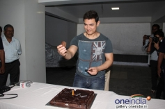 Aamir Khan celebrates his 49th birthday with media people
