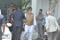Amitabh Bachchan return from Holi celebration