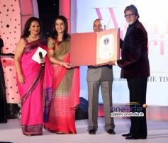 Amitabh Bachchan with Devika and Anuradha at Lavasa Women's Drive 2014