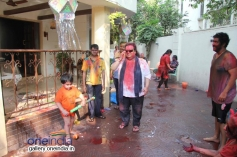 Bappi Lahiri celebrates Holi 2014 at his residence