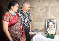 Satish Shah with his wife at Club 60 film special screening