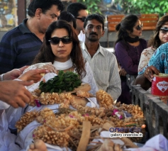 Celebs at Juhi Chawla's brother Bobby Chawla's funeral