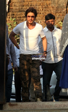 Shahrukh Khan during the Juhi Chawla's brother Bobby Chawla's funeral