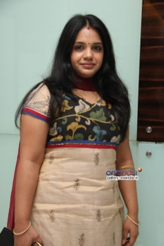 GV Prakash wife Saindhavi at Naan Sigappu Manithan audio launch
