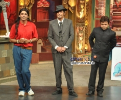 Chunky Pandey and Rajpal Yadav on the sets of Mad In India
