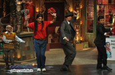 Chunky Pandey and Rajpal Yadav performs on the sets of Mad In India